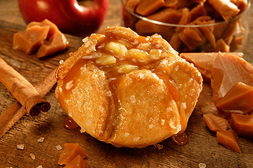 "CARAMEL APPLE BLOSSOM<br>Pack Size:<span class=""custom-label-text"">68/4OZ</span><br>Item Code:<span class=""custom-label-text"">CU03</span> Image"